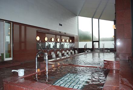 博多湾を一望 大浴場